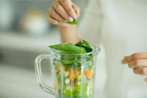 ビタミンたっぷり小松菜を使ったグリーンスムージー